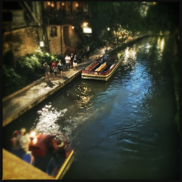 riverwalk-night